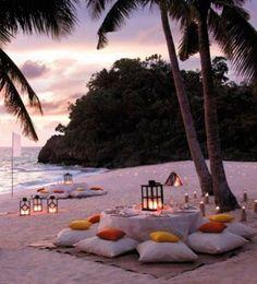 Chill outs en la playa.                                                                                                                                                                                 Más