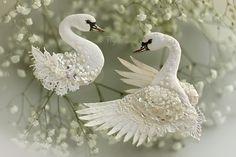 """Купить Комплект брошей """"Перламутровые Лебеди"""". Свадебная коллекция. - лебедь, лебеди, Лебединое озеро"""