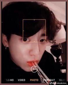 Foto Jungkook, Jungkook Selca, Jungkook Cute, Foto Bts, Bts Taehyung, Die Beatles, Whatsapp Videos, Kpop Gifs, Bts Face