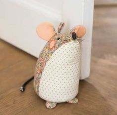 Mouse Doorstop by Ulster Weavers This cute and quirky doorstop has lots of friends. Why not look at the other characters Diy Doorstop, Doorstop Pattern, Sewing Toys, Sewing Crafts, Sewing Projects, Hobbies And Crafts, Diy And Crafts, Fabric Door Stop, Peg Bag