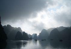 Ha Long Bay is a UNESCO World Heritage site. See whc.unesco.org/     Du lịch Hạ Long thú vị tại http://dulichhe.biz