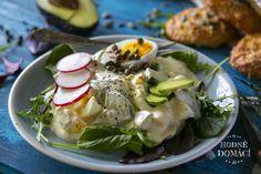Avokádovo-vajíčkový salát   Hodně domácí Low Carb, Eggs, Meat, Chicken, Cooking, Breakfast, Ethnic Recipes, Food, Fitness