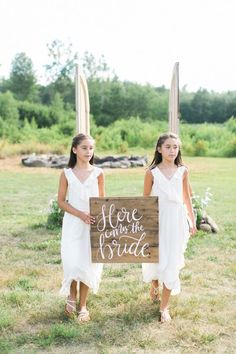 Photographed by Ruth Eileen, this al fresco rustic, elegant at home wedding was full of personal touches and beautiful decor in ivory and green. Wedding Bride, Dream Wedding, 2017 Wedding, Romantic Backyard, Diy Wedding Projects, Diy Projects, Little Black Books, Wedding Signage, Wedding Photography