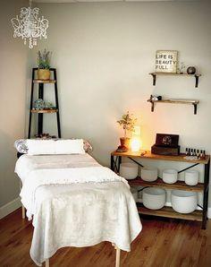 Zen Room Decor, Meditation Room Decor, Beauty Room Decor, Relaxation Room, Massage Room Design, Massage Room Decor, Massage Therapy Rooms, Home Spa Room, Esthetics Room