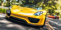 Ferrari LaFerrari & Porsche 918 Spyder: The Real World Test