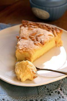 Torta della nonna - My favourite Italian dessert Sweets Recipes, Fun Desserts, Delicious Desserts, Cake Recipes, Cooking Recipes, Yummy Food, Italian Pastries, Italian Desserts, Breakfast Cake