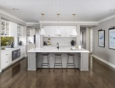 hamptons style kitchen metricon bayville display home