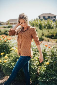 Collared shirt Long sleeves Detailed button on sleeves for rolling Buttons down the front Camel colored Nursing Friendly Modest Outfits, Modest Fashion, Lemon Clothing, Lemon Top, Christian Girls, Daughters Of The King, Collar Shirts, Warm Weather, Spring Summer Fashion