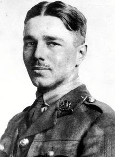 essay on wilfred owen poetry