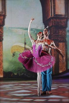 """Victoria Teryoshkina and Andrey Yermakov (Mariinsky Ballet) PDD from """"Le Corsaire"""" Photo © Alexey Yakovlev"""