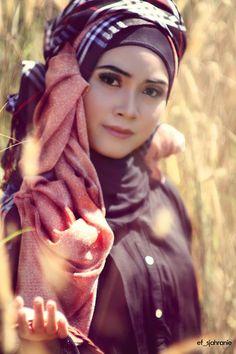 Makeup & Fashion Hijab by Mama Meme Costume Photographed by Eef Sjahranie