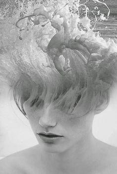 A fusão de pessoas e cenários nas foto-manipulações de dupla exposição de Antonio Mora