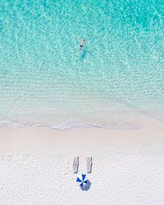 """107.8 ezer kedvelés, 930 hozzászólás – BEST VACATIONS (@bestvacations) Instagram-hozzászólása: """"Tag who you'd float with! The simple perfection of Turks & Caicos 🏖 By @waterproject &…"""""""