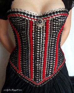 The Art of Can Tabistry: Victorian Hourglass-style Tabistry Corset - Take 2