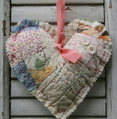Heart Cutter Quilt Lavender Sachet by FarmhouseRose on Etsy Quilts Vintage, Old Quilts, Antique Quilts, Vintage Fabrics, Valentine Crafts, Christmas Crafts, Quilting Projects, Sewing Projects, Vintage Crafts