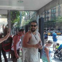 Jason Momoa fan — Jason Momoa aka Khal Drogo está en Barcelona (vía...