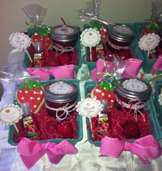 Adorable berry baskets by Party Patisserie available Etsy shop.