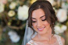 12 wunderschöne Make-up-Looks von Marisa Rose Diy Wedding Inspiration, Makeup Inspiration, Makeup Ideas, Wedding Ideas, Make Up Looks, Bridal Hair And Makeup, Hair Makeup, Vintage Curls, Vintage Style