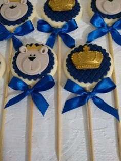 super Ideas for birthday cake kids boys chocolate chips Baby Shower Cakes, Baby Boy Shower, Birthday Cake Kids Boys, Boy Birthday Parties, Gold Candy Buffet, Oreo Treats, Chocolate Lollipops, Cake Chocolate, Chocolate Chips
