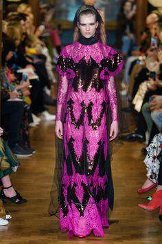 Erdem Fall 2019 Ready-to-Wear Collection - Vogue Space Fashion, Fashion Week, Runway Fashion, Fashion Trends, Vogue Paris, Lanvin, Dark Fashion, Autumn Fashion, Runway Magazine