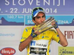 SPORTS And More: #Cycling #Ciclismo #Portugal Tiago Machado signed ...