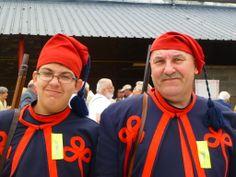 Mon fils Nael et moi En Zouave à la marche Notre-Dame de Lourde à Gilly