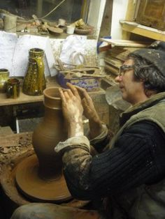 Robin Wood: traditional pottery in the UK Pottery Shop, Pottery Classes, Ceramic Artists, Artist At Work, Ceramic Pottery, Country Living, Old Photos, About Uk, Stoneware