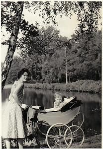VINTAGE OLD PHOTOGRAPH LADY WITH HER BABY BOY SAT IN A OSNATH PRAM? 1950'S | eBay