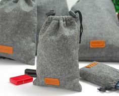 Set of 5 Storage Bags Felt Drawstring Bags Traveling Packing Bags Gift Bags Gathering Bags E2031
