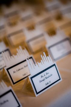 Cute Chicago skyline escort cards