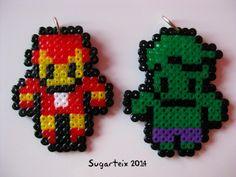 Super héroes en hama mini como llavero, colgante para el cuello, imán y broche. Si te gusta puedes adquirirlo en nuestra tienda on-line: http://www.mistertrufa.net/sugarshop/ Ver más en: http://mistertrufa.net/librecreacion/groups/hama-beads/