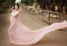 Simply Sweet Mama Gown Peach color as shown size M Pregnancy Images, Pregnancy Outfits, Pregnancy Belly, Maternity Gowns, Maternity Fashion, Maternity Clothing, Maternity Style, Celebrity Photographers, Prom Dresses