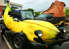 Bootmobile and Banana Car - meet at last!