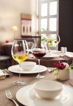 Descubre la colección de copas de #vino Vinarmony de Chef & Sommelier. Elegancia para #hostelería Glamour Shots, Wine Cheese, White Wine, Wine Glass, Alcoholic Drinks, Dining, Food, Glasses, House