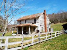 Visit North Carolina, North Carolina Mountains, North Carolina Homes, Old Buildings, Abandoned Buildings, Abandoned Places, Abandoned Farm Houses, Old Farm Houses, Abandoned Homes
