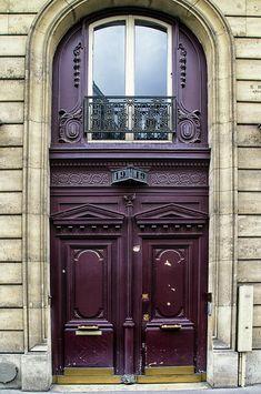 No. 19. An elegant Parisian entryway.