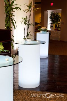 ledunplugged.com in Las Vegas LED high top table for that club feel