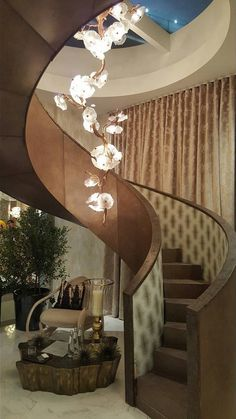 Serip designs and produces nature-inspired sculptures resulting in decor elements and organic lighting with a unique design based on nature's elements. Luxury Chandelier, Chandelier Bedroom, Chandelier Lighting, Interior Exterior, Luxury Interior, Unique Lighting, Lighting Design, Inside A House, Natural Interior