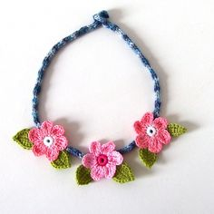 Crochet necklace.  What a beautiful gift for a little girl