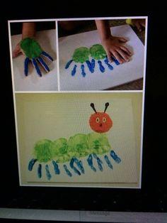 Bij triestig weer, een boekje lezen van rupsje nooit genoeg, puzzel maken en dan natuurlijk zelf je eigen rups maken! En helemaal niet moeilijk! Insect Crafts, Bug Crafts, Preschool Crafts, Crafts For Kids, Math Pages, Emergent Readers, Kids Artwork, Very Hungry Caterpillar, Eric Carle