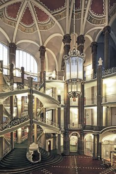 Haupttreppenhaus | Berlin, Mitte (Berlin), Littenstraße 16-17 | Otto Schmalz | Bildindex der Kunst & Architektur - Bildindex der Kunst & Architektur - Startseite Bildindex