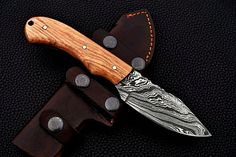 HANDMADE DAMASCUS STEEL HUNTING KNIFE WITH OLIVE WOOD Skinning Knife, Damascus Steel, Hunting, Wood, Leather, Handmade, Hand Made, Woodwind Instrument, Timber Wood