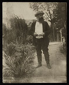 Citation: Claude Monet at Giverny, between 1899 and 1909 / Lilla Cabot Perry, photographer. Lilla Cabot Perry photographs, Archives of American Art, Smithsonian Institution.