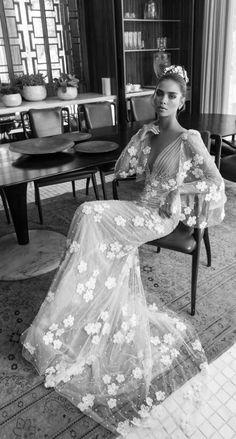 Wedding Dress: Elihav Sasson