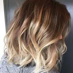 Gorgeous #beachyblonde highlights // dark blonde to bleach light blonde // #ombre #balayage // long wavy bob