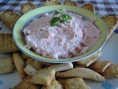 Crema de atun con ajo 1 queso creme natural 1 lata de atun 2-3 dientes de ajo sal una florecita de perejil se mete todo el l...