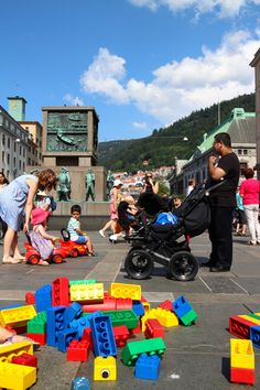 Giant LEGO meets historical architecture in Bergen one of the best family-friendly cities in Europe. #travel #travelwithkids #familytravel #familyvacations #norway #familyholidays #lego http://www.suitcasesandstrollers.com/articles/view/bergen?l=s