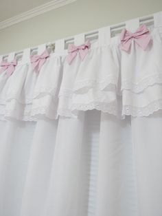 Best bedroom window dressing little girls Ideas Home Curtains, Kitchen Curtains, Lampe Crochet, Bedroom Window Dressing, Shabby Chic Shower Curtain, Bed Cover Design, Paint Colors For Living Room, Shabby Chic Bedrooms, Colorful Curtains