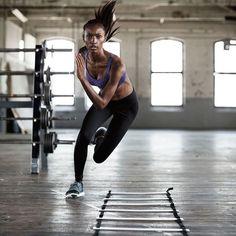 As novas angels da @victoriassecret mostraram suas belezas – and boa forma! – na campanha da linha de fitness da marca. Olha só que foto incrível... Super #atitudeboaforma, né?