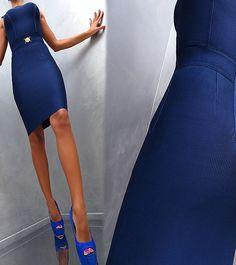 33f24806c412 Υπέρκομψο μίντι φόρεμα από πολυτελές bandage ύφασμα που λεπταίνει και  σμιλεύει τη σιλουέτα Σε εφαρμοστή bodycon